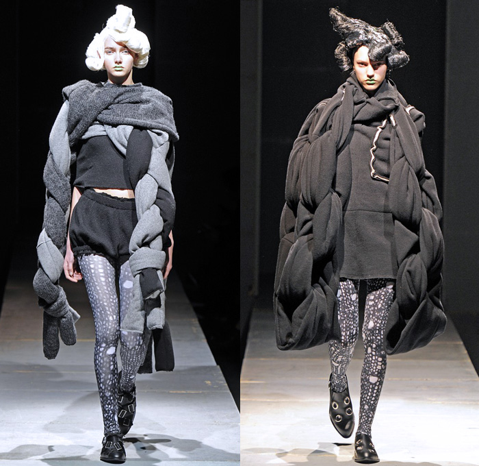 Comme Des Garcons Sweater Fashion Show