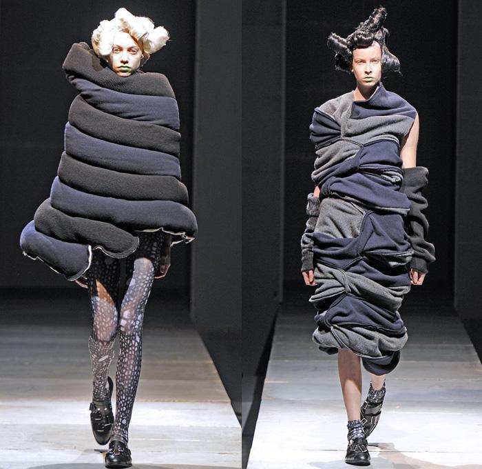 Comme Des Garcons Sweater Fashion Show