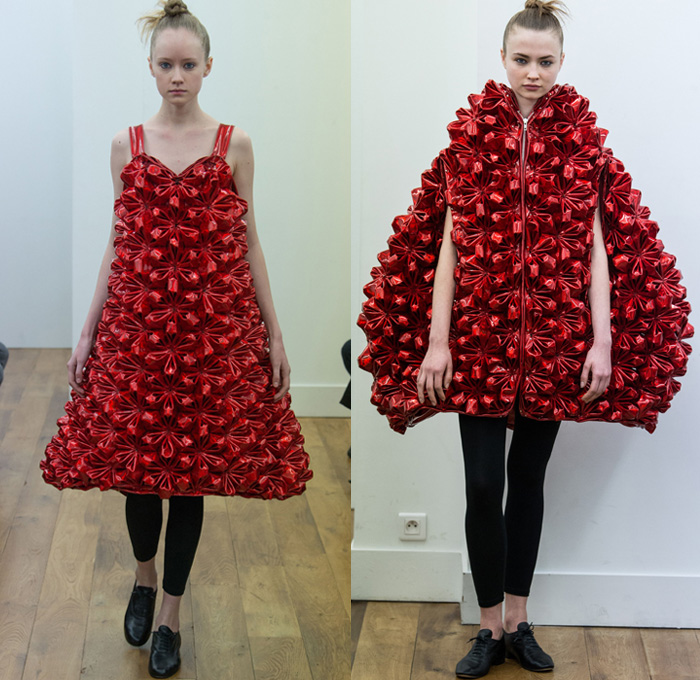 Noir Kei Ninomiya 2017-2018 Fall Autumn Winter Womens Runway Catwalk Looks - Mode à Paris Fashion Week Mode Féminin France - Scarlet Red Modular Chain Link Ring Rivet Belts Straps Mesh Lattice Plush Fur Dimensional Structural Organic Shape Sculptural Floral Flower Bud Trompe L'oeil Ruffles Zigzag Sheer Chiffon Velvet Jacquard Quilted Waffle Long Sleeve Blouse Silk Satin Accordion Pleats Skirt Frock Leggings Hanging Sleeve Oversized Outerwear Coat Bell Shape Ribbons Bomber Jacket Pinafore Dress Embroidery Decorated Bedazzled Vest Waistcoat Shawl Beetle Wings Rocket Wingsuit